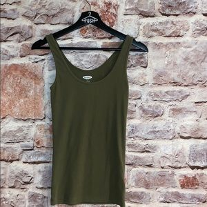 Army green basic tank
